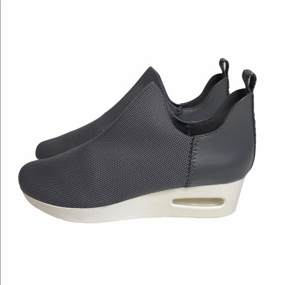 DKNY Alan Gray Wedge Slip On Sneakers 7.5
